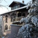Fassadenrenovierung / Holzanstrich / Bemalung